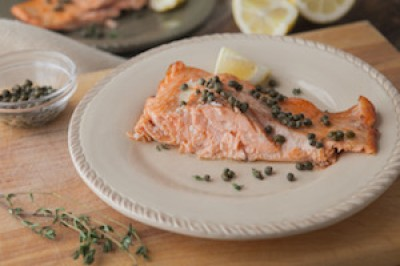 Salmon with lemon, capers, and thyme